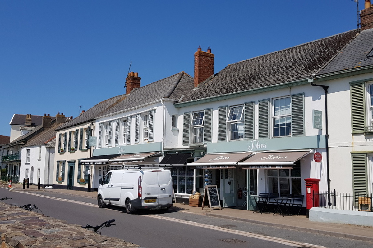 Shop and delicatessen at Instow